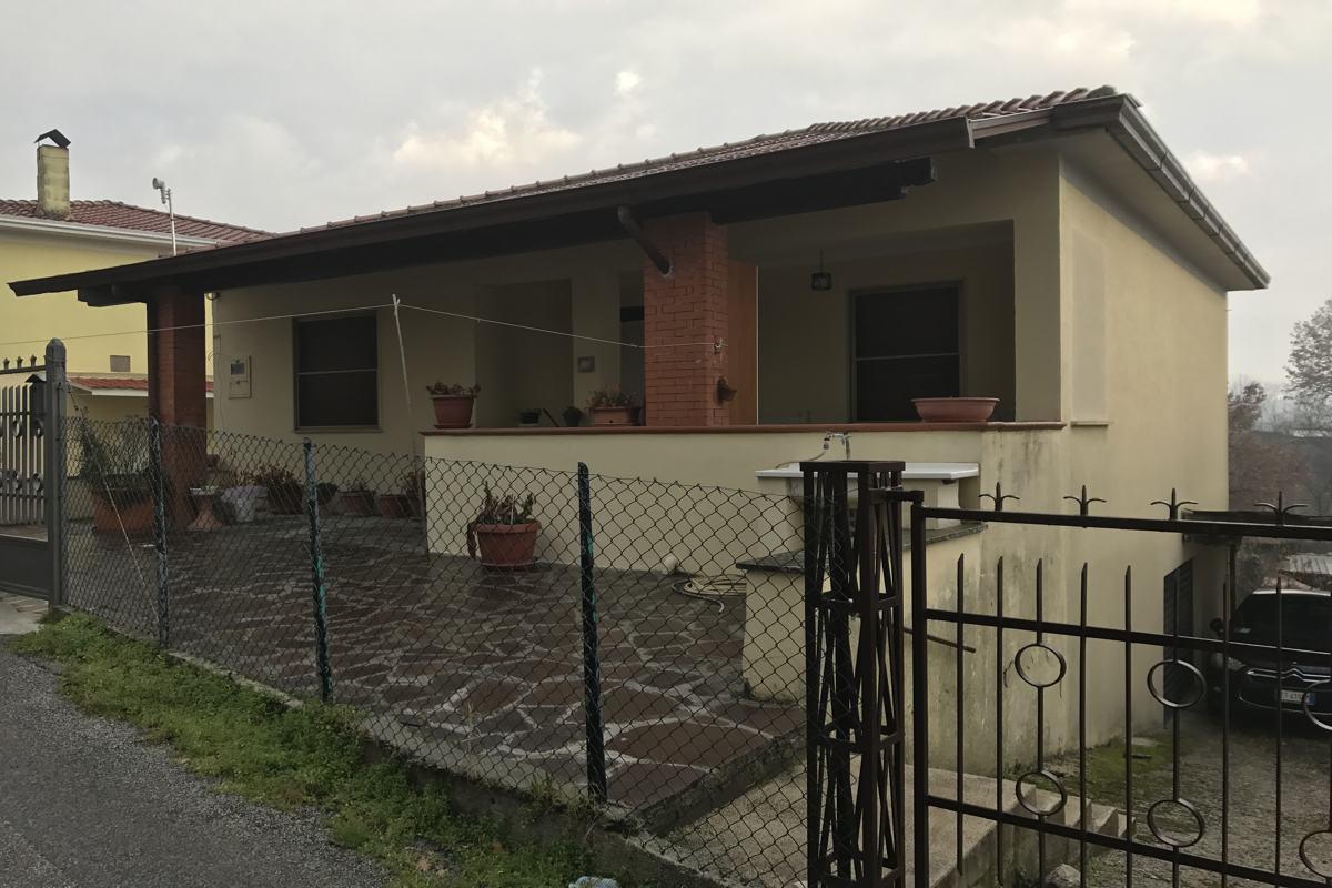 casa indipendente vendesi lepinia immobiliare