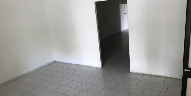 vendesi-cerco-locale-commerciale-frosinone-corso-lazio-lepinia-immobiliare-24