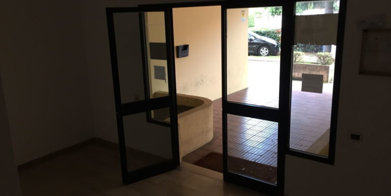 vendesi-ufficio-frosinone-corso-lazio-ingresso-principale-condominiale-4-lepinia-immobiliare