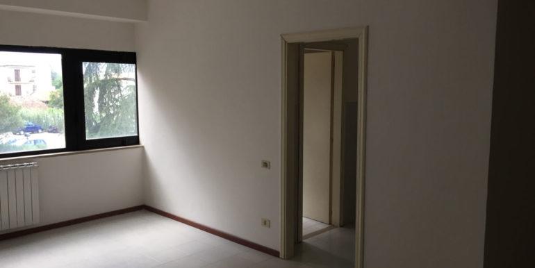 vendesi-ufficio-frosinone-corso-lazio-interno-ufficio-2-lepinia-immobiliare