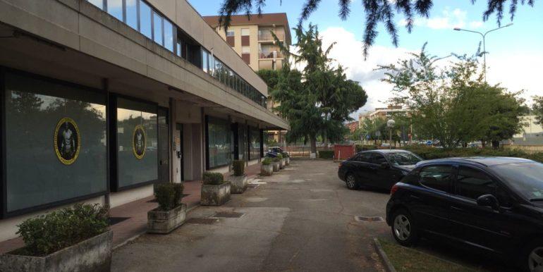 vendesi-ufficio-frosinone-corso-lazio-vista-esterna-del-palazzo-lepinia-immobiliare-6