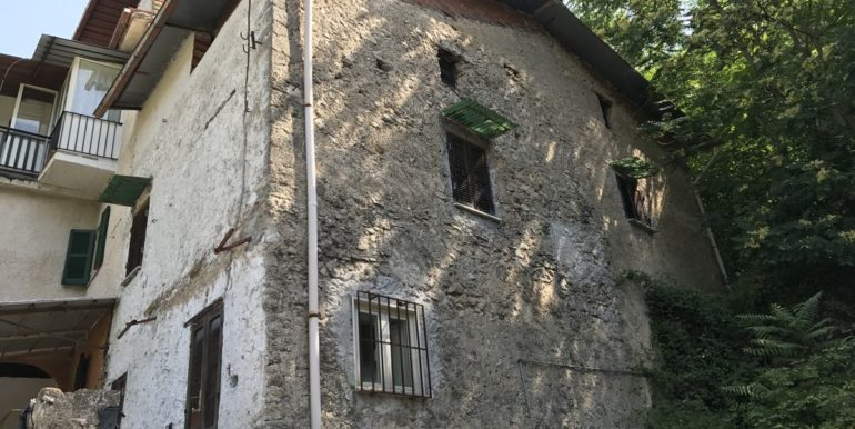 casa-indipendente-con-terreno-vendesi-supino-frosinone-lepinia-immobiliare-tel-0775226292-28