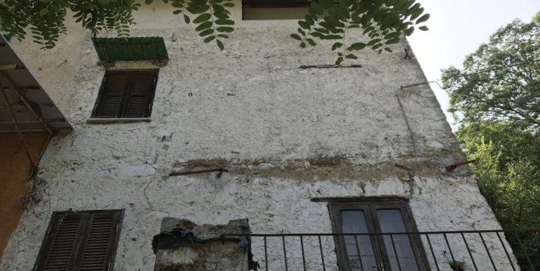 casa-indipendente-con-terreno-vendesi-supino-frosinone-lepinia-immobiliare-tel-0775226292-30
