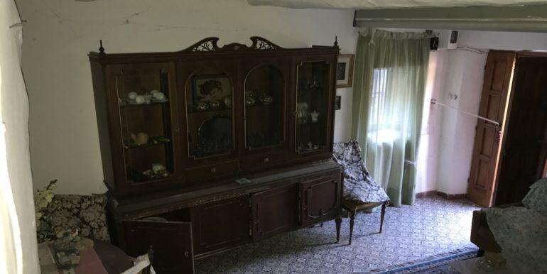 casa-indipendente-con-terreno-vendesi-supino-frosinone-lepinia-immobiliare-tel-0775226292-4