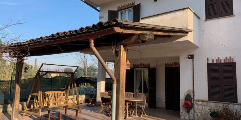 villa-con-terreno-e-magazzino-vendesi-supino-frosinone-lepinia-immobiliare-euro-250000-tel-0775226292-72