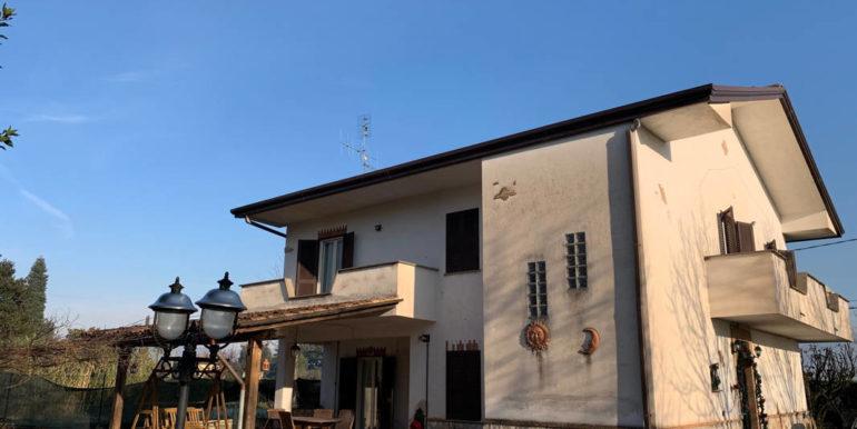 villa-con-terreno-e-magazzino-vendesi-supino-frosinone-lepinia-immobiliare-euro-250000-tel-0775226292-73