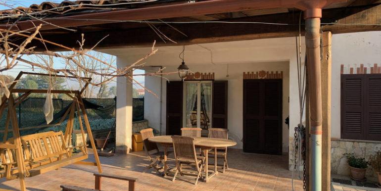 villa-con-terreno-e-magazzino-vendesi-supino-frosinone-lepinia-immobiliare-euro-250000-tel-0775226292-75