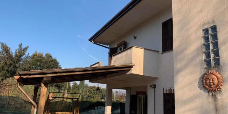 villa-con-terreno-e-magazzino-vendesi-supino-frosinone-lepinia-immobiliare-euro-250000-tel-0775226292-78