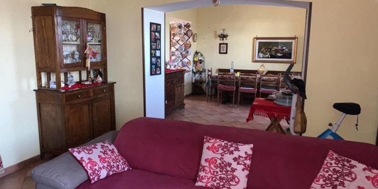 villa-con-terreno-e-magazzino-vendesi-supino-frosinone-lepinia-immobiliare-euro-250000-tel-0775226292-83