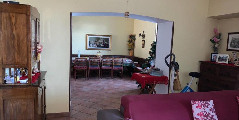 villa-con-terreno-e-magazzino-vendesi-supino-frosinone-lepinia-immobiliare-euro-250000-tel-0775226292-84