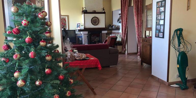 villa-con-terreno-e-magazzino-vendesi-supino-frosinone-lepinia-immobiliare-euro-250000-tel-0775226292-86