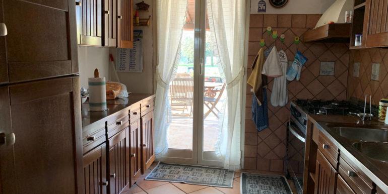 villa-con-terreno-e-magazzino-vendesi-supino-frosinone-lepinia-immobiliare-euro-250000-tel-0775226292-90