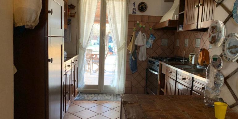 villa-con-terreno-e-magazzino-vendesi-supino-frosinone-lepinia-immobiliare-euro-250000-tel-0775226292-91