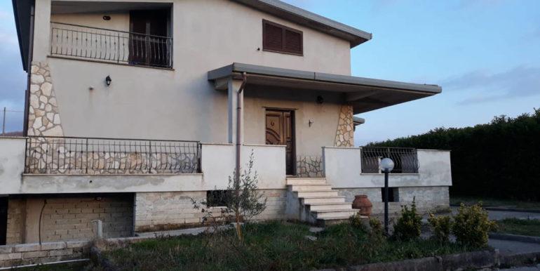 casa-indipendente-villino-vendesi-paliano-170000-euro-lepinia-immobiliare-43
